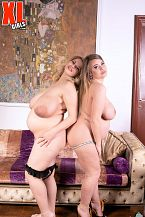 Erin Star & Sophie Rose: Willing To Pop
